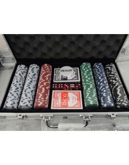 Покер комплект с 300 чипа и две тестета карти в алуминиев куфар.